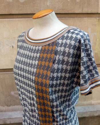 Vestido de punto pata de gallo 1980s Houndtooth knit mod dress