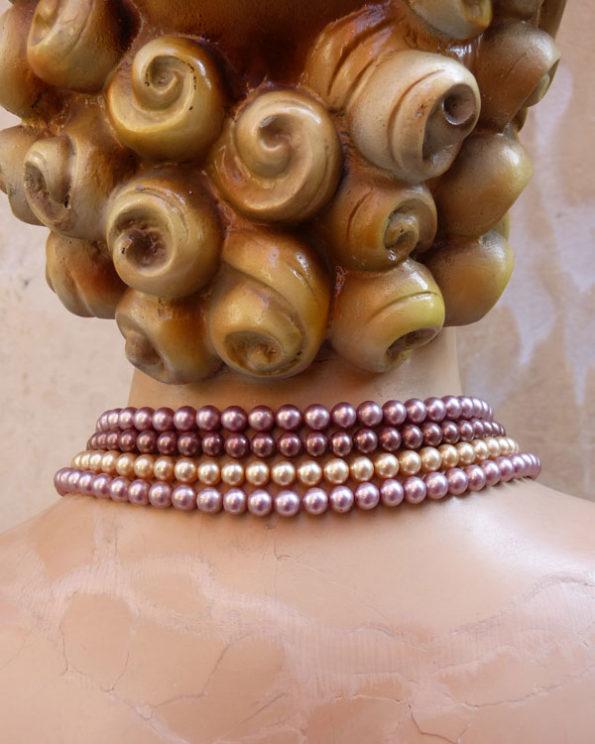 Collar 50's de perlas falsas en tonos empolvados