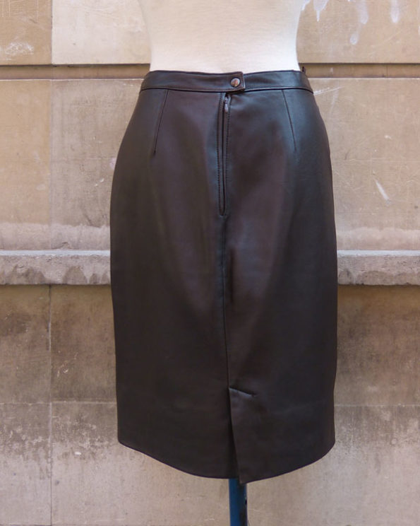 Hazelnut leather skirt with side pockets
